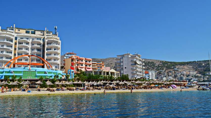 holiday apartment rent in saranda