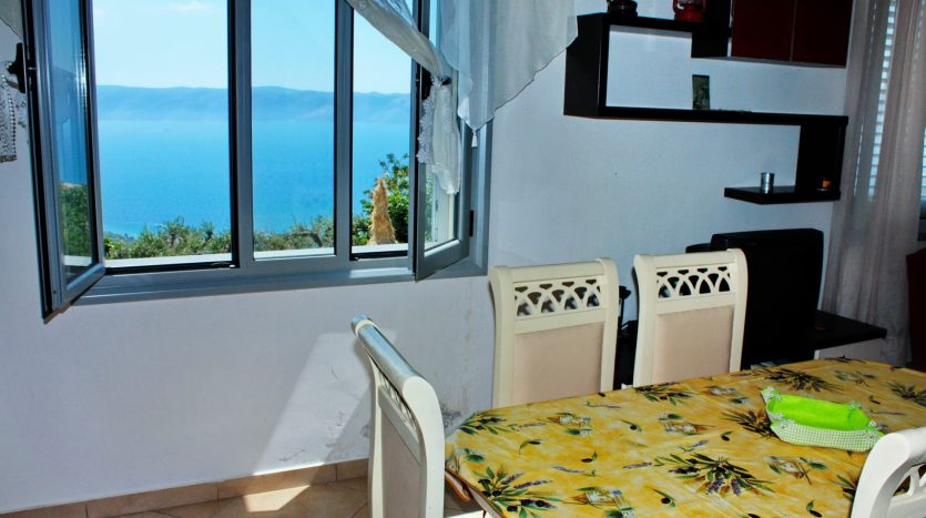 rent vila in Albania